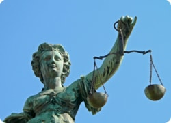 Litigation Solicitors in Leicester